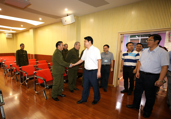 自治区民政厅冯志副厅长一行到我院督查退役军人服务管理工作